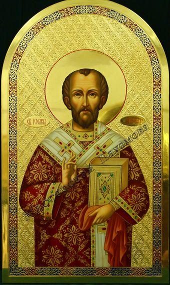 Святитель Иоанн Златоуст. Икона на золотом фоне с чеканкой