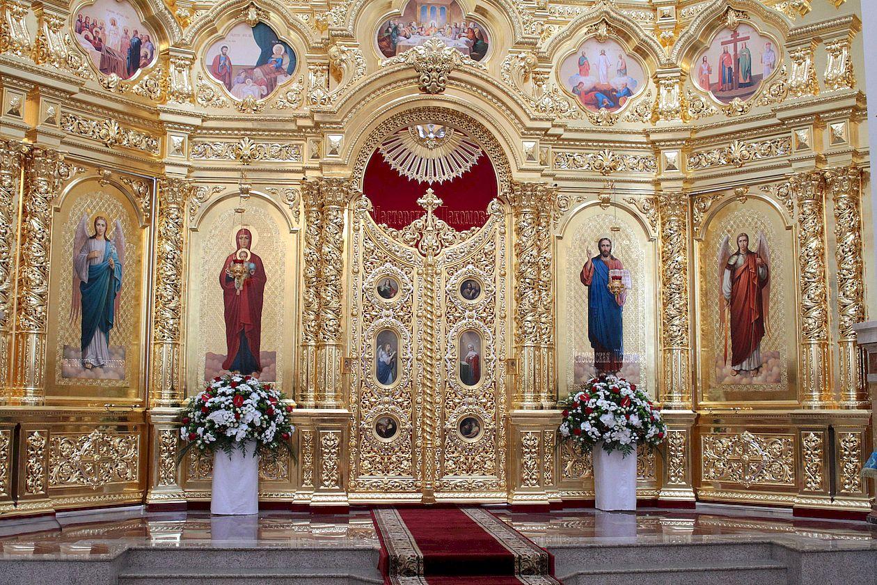 Иконы в иконостасе, Казанский собор