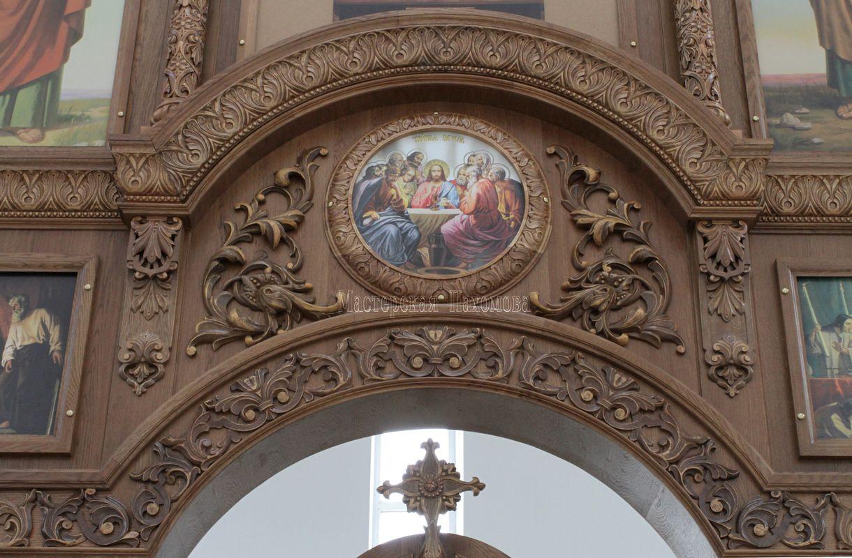 Резьба над Царскими вратами