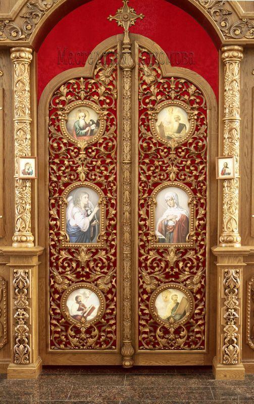 Резной иконостас. Царские врата. Резьба на вратах