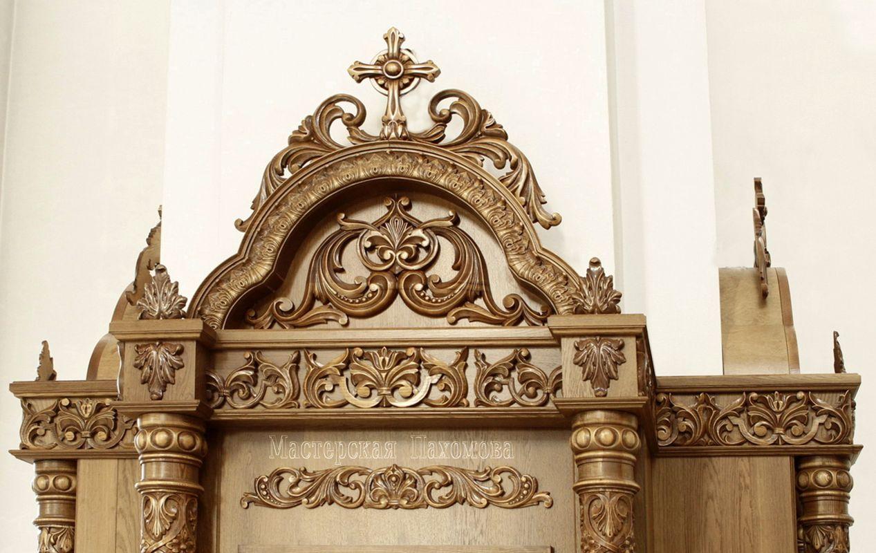 Резьба на киоте, резной фрагмент киота, ручная резьба, заказать деревянный киот для храма.