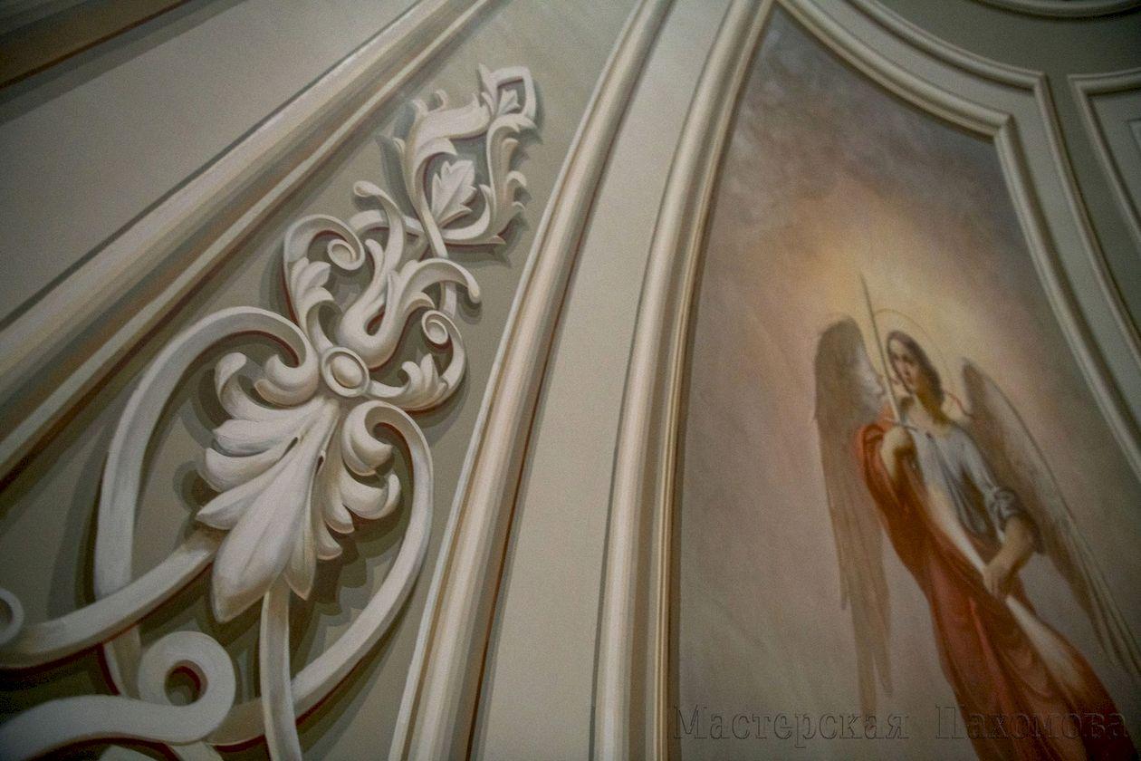 Авторские работы настенной живописи храма в старой классической манере