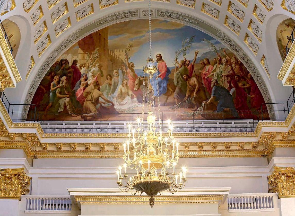 В люнете с южной стороны собора - сюжет Входа Господня в Иерусалим