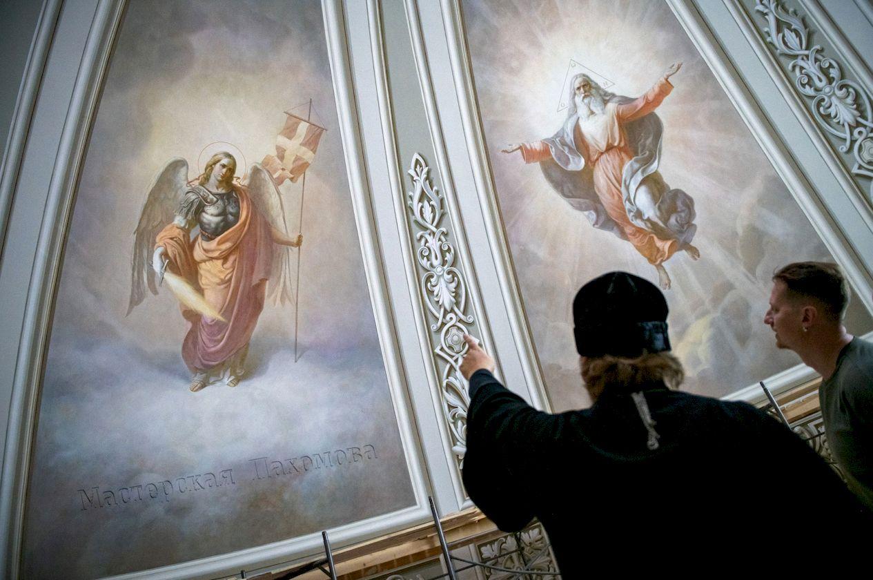 Завершена внутренняя роспись главного купола Казанского собора