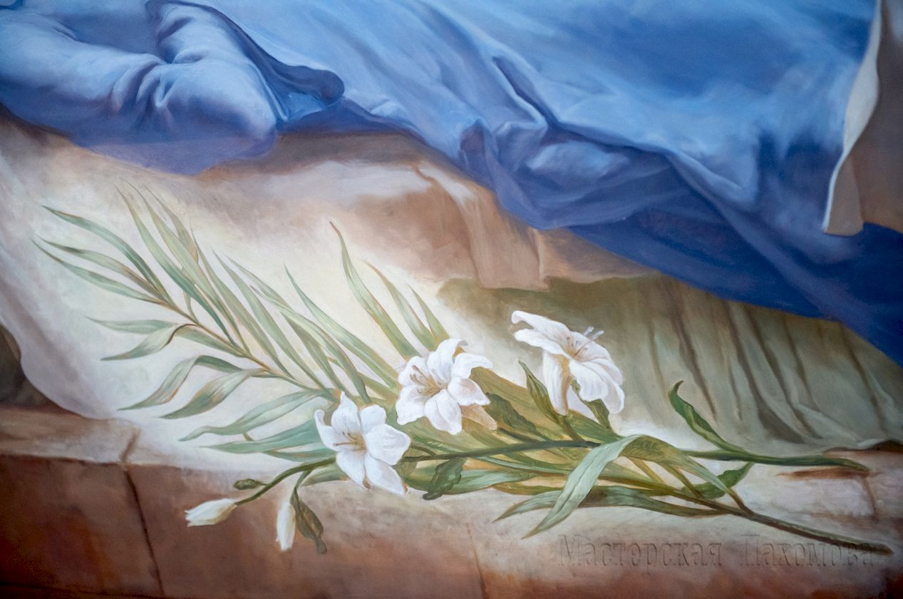 Роспись стены собора выполнялась масляными красками согласно технологиям 300-400-летней давности