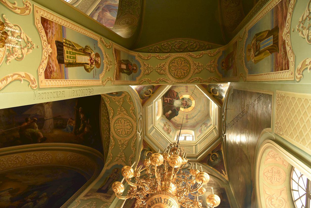 Альфрейные росписи на стенах и потолках. Орнаменты на стенах Собора